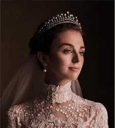28歲女爵嫁西班牙王子,婚禮如童話,新娘似赫本!