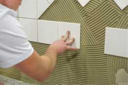 瓷磚膠與水泥砂漿對比哪個貼上效果更好?