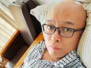 49歲主持人孟非曬病床照,面色顯蒼白疑剛動手術,惹網友擔心不已