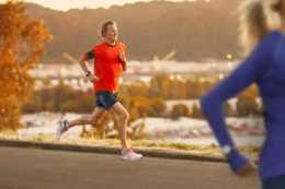 跑步並不能代替深蹲,深蹲時這2個注意事項要清楚