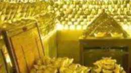 """湖北老人在山洞發現""""藏金洞"""",拉一車黃金去銀行換錢,到底怎樣"""